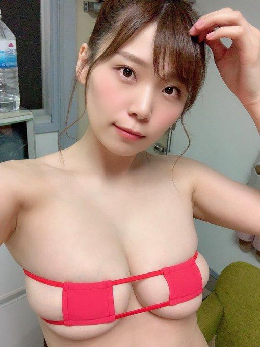 グラビアアイドル三井里彩のTwitter自撮りエロ画像8
