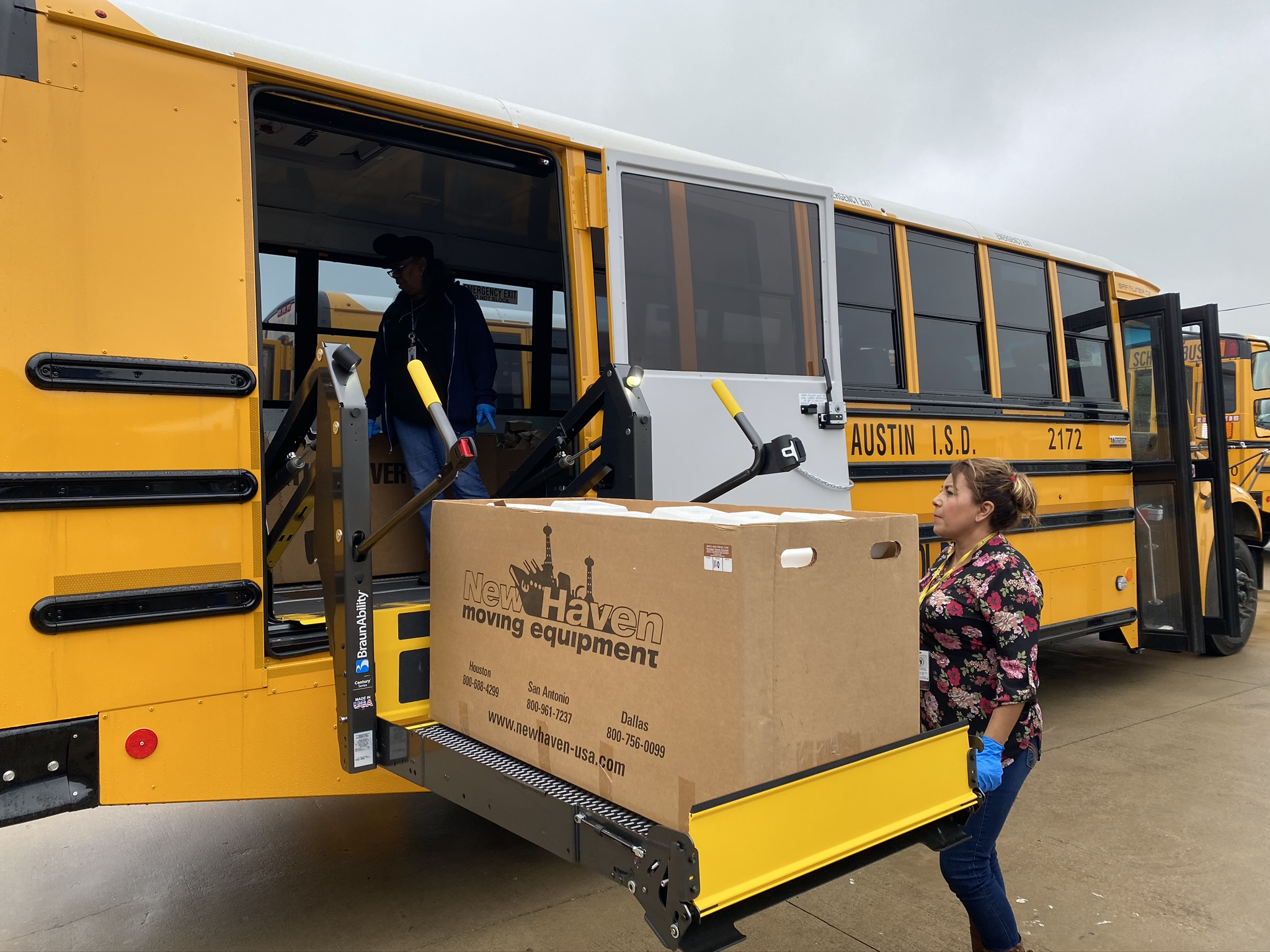 Austin Isd Food Service On Twitter Over The Past Few Weeks Our Teams Have Quickly Adapted To Curbside And Bus Stop Meal Service Big Thanks To Newhavenmoving For Providing Furniture Dollies To