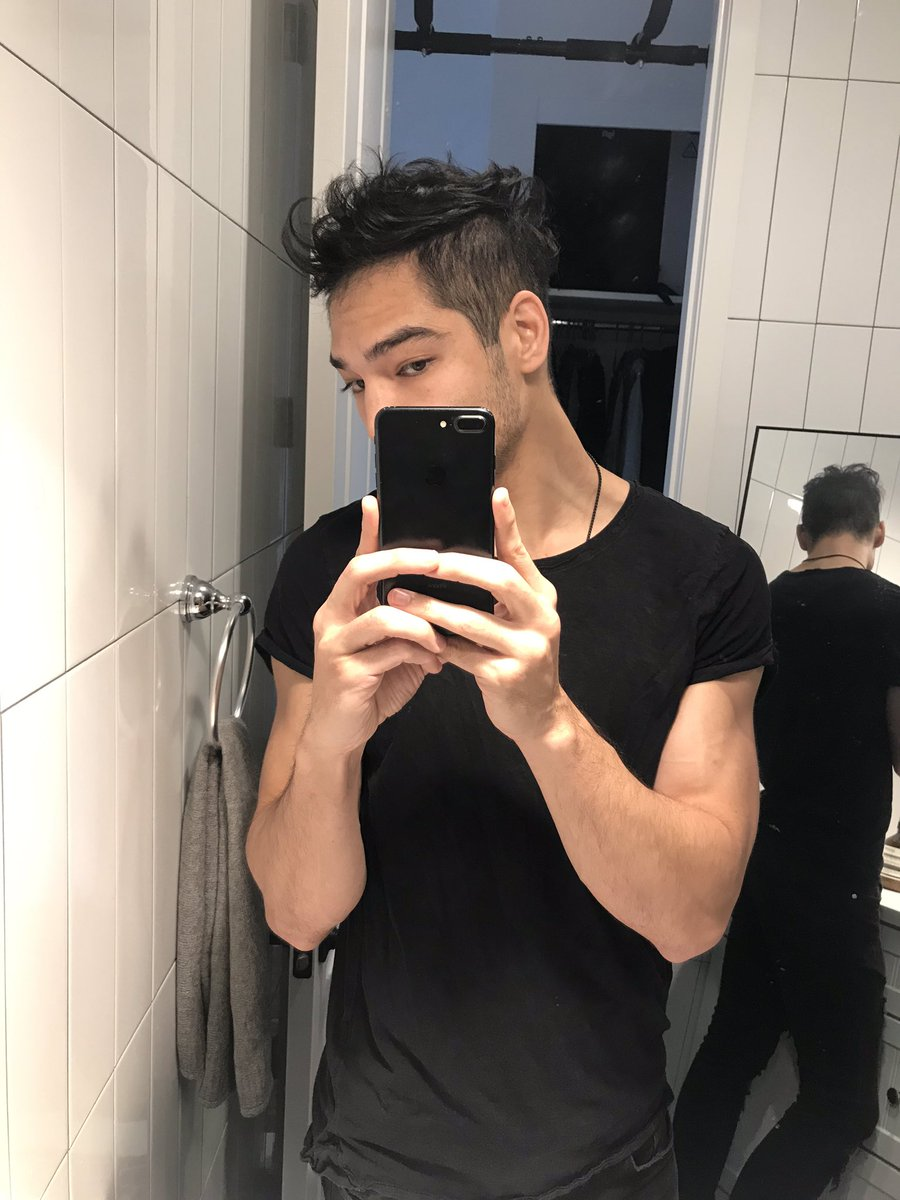 Jeran Fox On Twitter 2 Get A Double Mirror Setup If You Can Worst Case Use Your Selfie Camera As A Second Mirror Looking Into The Camera With Your Back To The