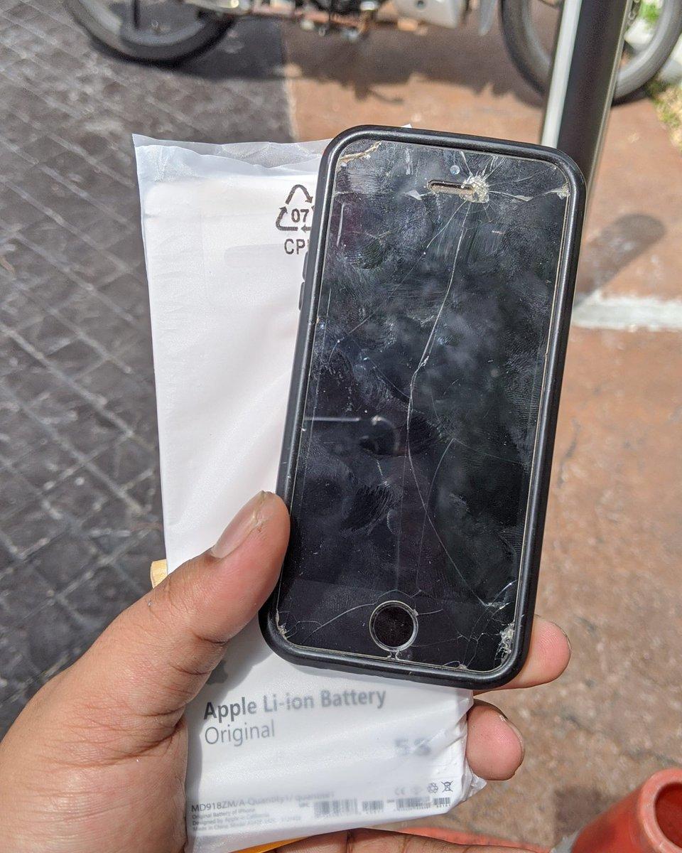 Siapa nak repair phone urgent BERJAUHAN boleh BY POS ke rumah saya  . ATAU berdekatan dgn DAMANSARA DAMAI boleh dtg terusatau BY runner LALAMOVE . Pm / whatsapp . http://www.wasap.my/60102381343 . #RepairAtHome #JagaJarakanda #repairphone #repairhandphone #repairiphone #repairandroidpic.twitter.com/RMQiDLZg3S