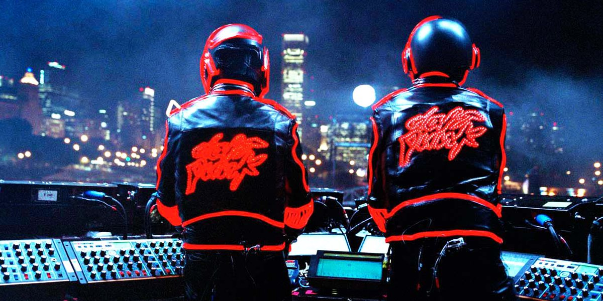 🚨🤖 Daft Punk's 1997 @BBCR1 Essential Mix is on BBC Sounds 🤖🚨  🎧