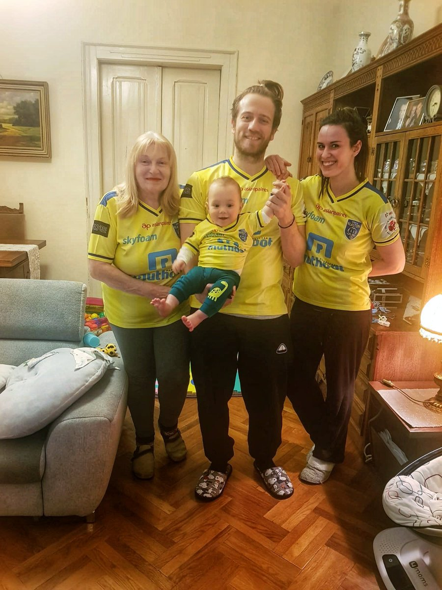 Our European fans have got their quarantine outfits ready! 👌🏼😄💛 #YennumYellow #YennumBlasters