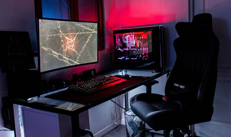 Très beau set up ! #ORAXEAT #FauteuilGaming #XL800  Crédit 📸 : Damien J. https://t.co/yE60h9djV2