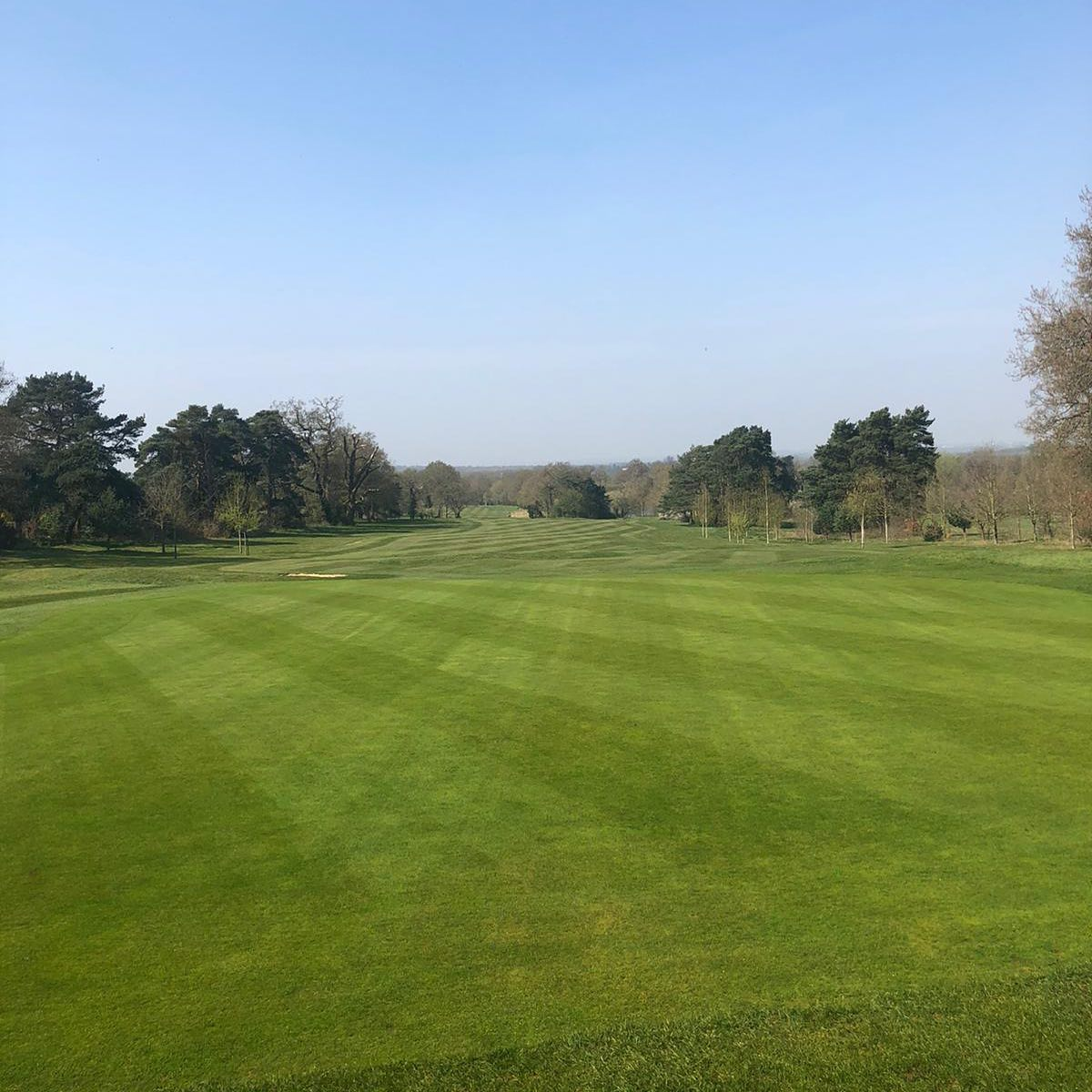 We hope you had a lovely sunny Easter! Our green staff have been working hard and we can't wait to see you all again soon! #hertfordshiregolf #brookmansparkgolfclub #golf #golflifepic.twitter.com/4ngmeUsIZ2