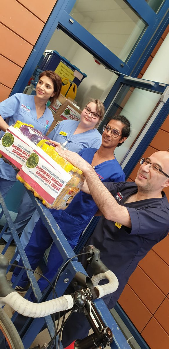 Delivered first batch of toiletries and drinks to the amazing team at @WhippsCrossHosp. Huge thanks to @British_Airways for donating toiletries and all our donors for their support!  Encourage friends and family to contribute: https://t.co/qvGk8jlypQ  #BATogether #KindnessTravels https://t.co/a5Y21dDYfS