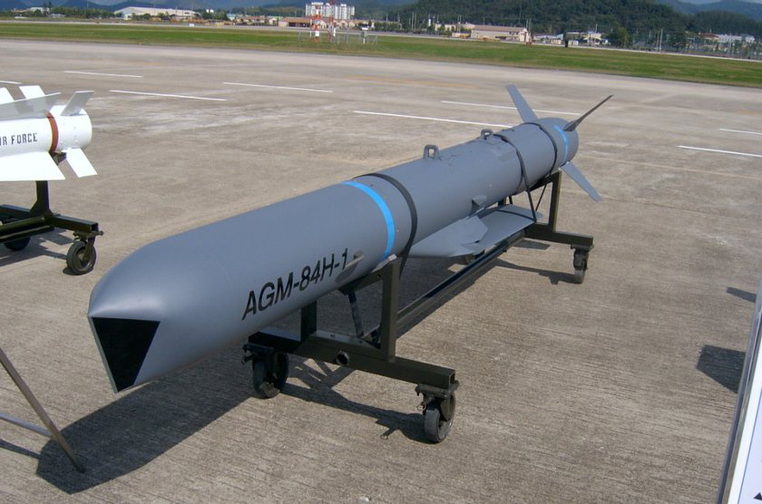 """Tango III's Military News on Twitter: """"Boeing wins $55M for SLAM-ER missile  redesign. The modification changes the contract type of the Stand-off Land  Attack Missile – Expanded Response (SLAM-ER) Phase I.  https://t.co/MtZ0uLXfEK…"""