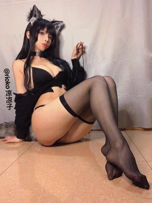 コスプレイヤーrioko凉凉子のTwitter自撮りエロ画像2