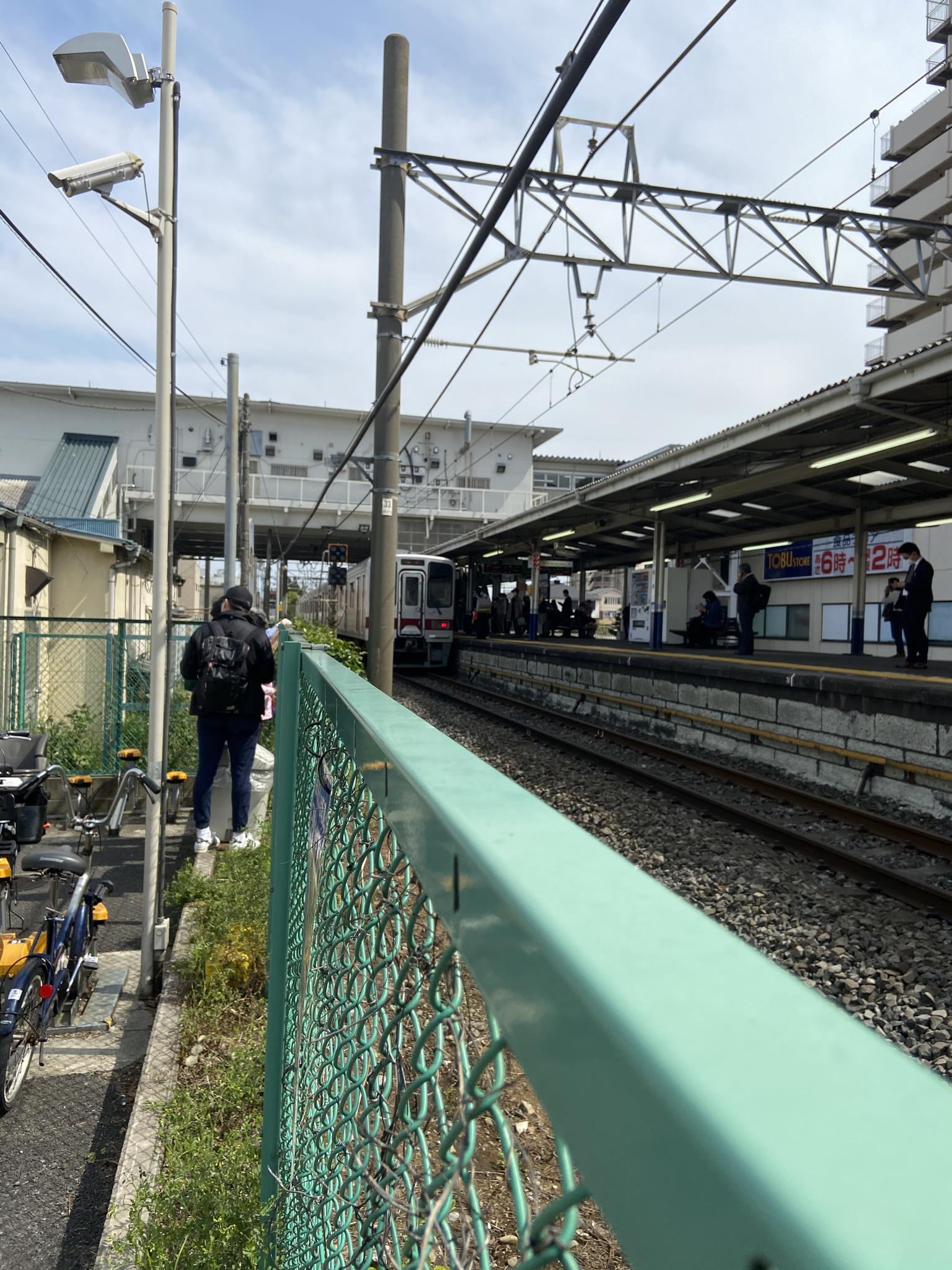 鶴瀬駅で人身事故が起きた当該列車の画像