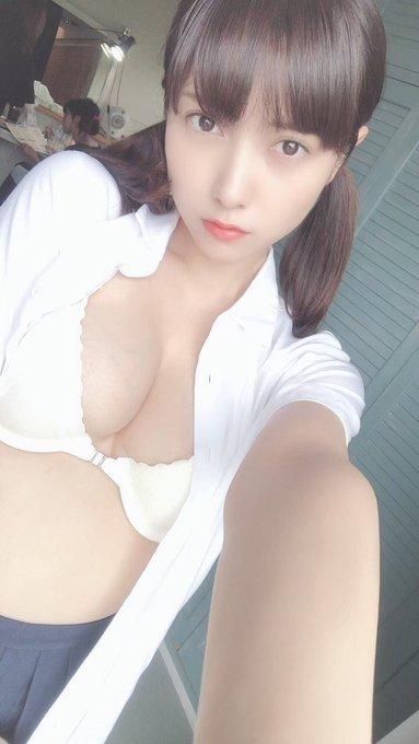 グラビアアイドル桃月なしこのTwitter自撮りエロ画像4