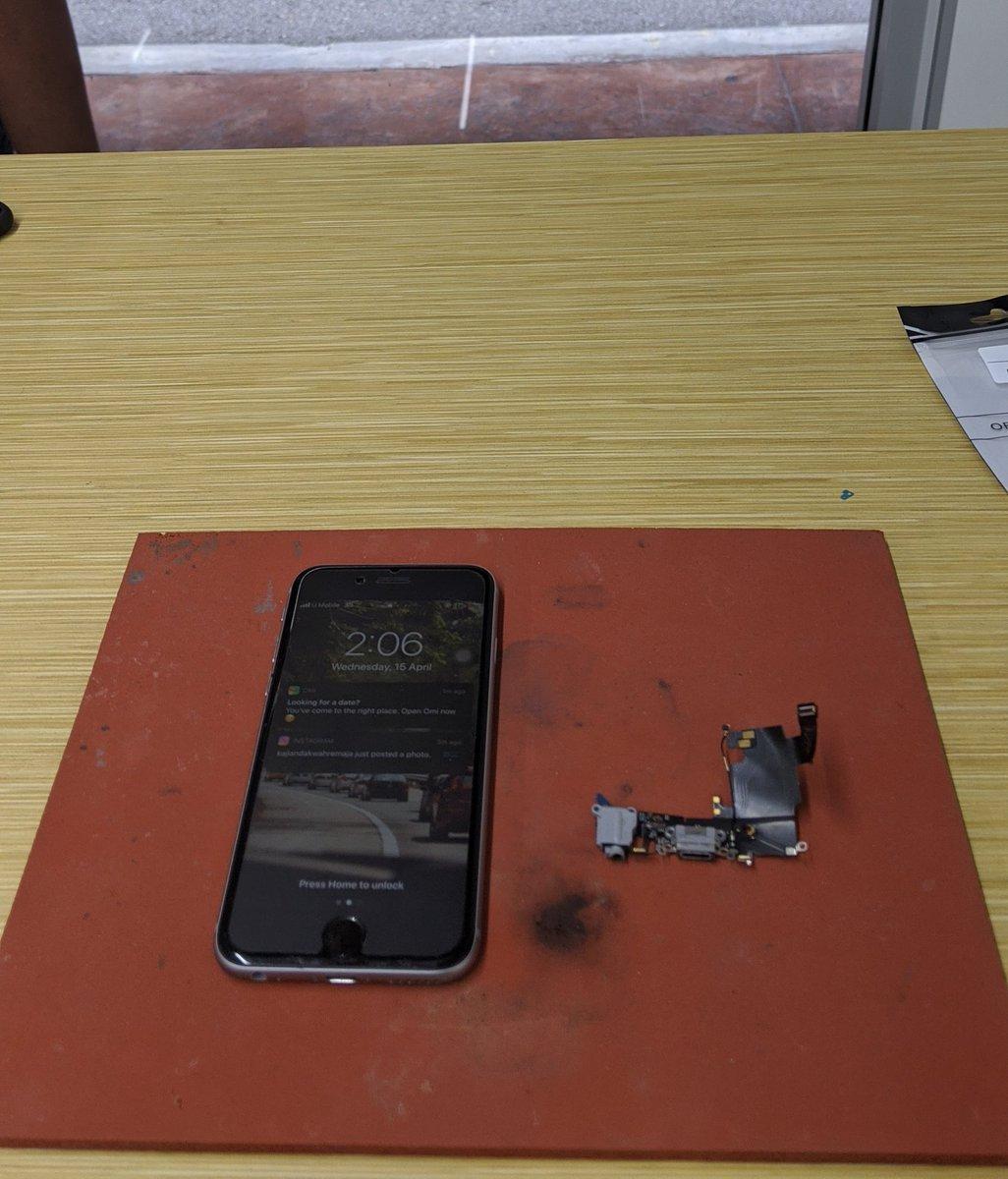 Siapa nak repair phone urgent BERJAUHAN boleh BY POS ke rumah saya  . ATAU berdekatan dgn DAMANSARA DAMAI boleh dtg terusatau BY runner LALAMOVE . Pm / whatsapp . http://www.wasap.my/60102381343 . #RepairAtHome #JagaJarakanda #repairphone #repairhandphone #repairiphone #repairandroidpic.twitter.com/t9ahubuJMS