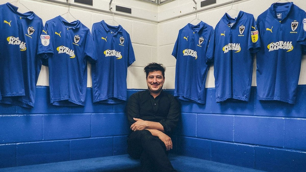 Marcus Mumford said he's never regretted choosing the Dons ahead of Man United! An interview by @andybrassell on Football Ramble Daily includes Marcus talking about his version of 'You'll Never Walk Alone' for @WarChildUK and justice for Grenfell victims: https://t.co/QVWxek8p8B https://t.co/3tkXUBKxRD