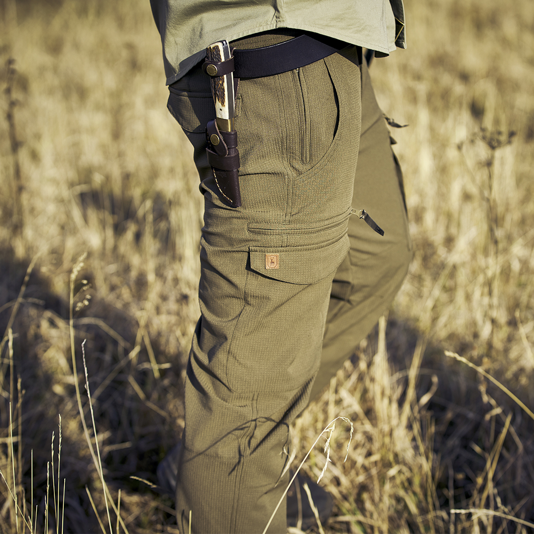 Take the great outdoors in your stride in the Deerhunter Maple trousers. Perfect for a day on the dirt trails or walking in the countryside 🌲🦌🏕️🎣  👉https://t.co/xD9QvKoHD7  #Deerhunter #outdoorclothing #outdoorgear #outdoorapparel https://t.co/tw0F53jORn