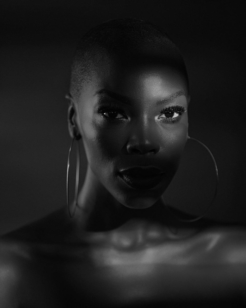 My entering for #retouchwitheo  Make up @bimpeonakoya Model @eromomen Retouched by @olawalephoto Shot by @_Oyeleke  #retouching #retoucher #photography #photoofday #explore #explorepage #exploremore #nigerianphotographershubpic.twitter.com/Fxv9cDYaNi