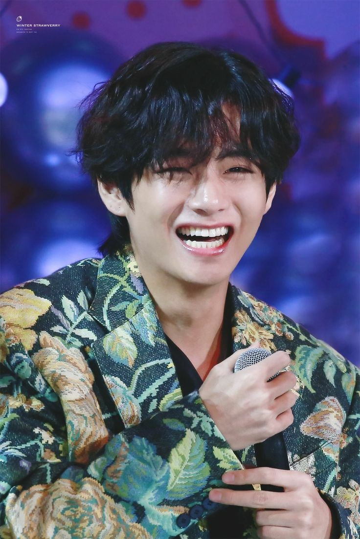 The one with the most endearing smile. #Taehyunginnerchild #Taehyungbillboard #Taehyungourjewel #Taehyungvocal #Taehyungrecord #V #TaehyungWeLoveYou #TaehyungJoy #taehyungcute https://t.co/5EUPJuEhNm