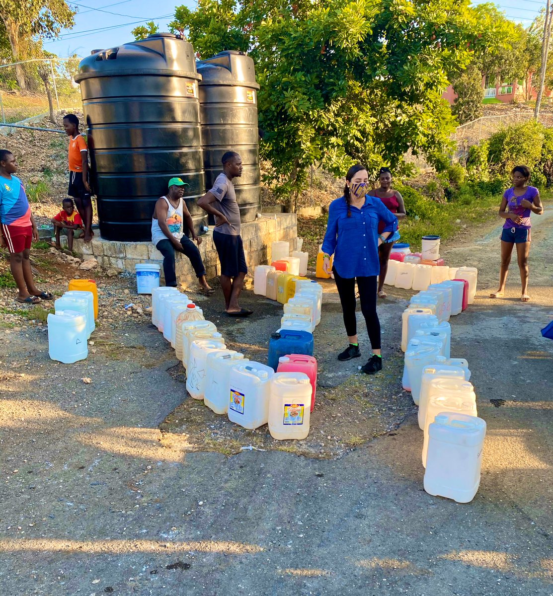 We also delivered much need water to #Commodore in my #EastPortland Thx to the #GOJ in their efforts to fight the #COVID19 crisis #WashYourHands #TanAYuhYaad #StayHome pic.twitter.com/HQXP9DSQYf