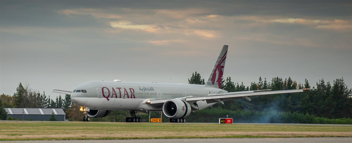First-time visitor @qatarairways arrived yesterday, making one of the world's longest flights to get here direct from Doha. The flight is a charter to repatriate French nationals - from here to Perth to board a few more passengers, then Doha and on to Paris.