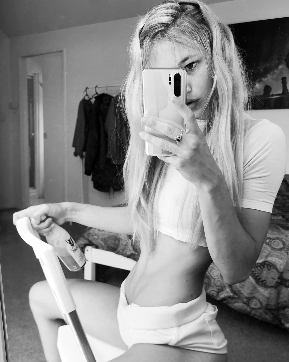 Miss_Alice94