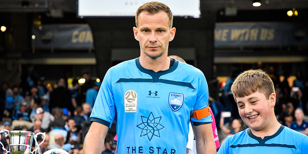 I'm going to list the three favourite games in my career and look back on what they meant to me. ✍ Captain @alexwilkinson84 reveals his three favourite career games in this weeks Column - bit.ly/2XLg65Y #SydneyIsSkyBlue #WeAreChampions