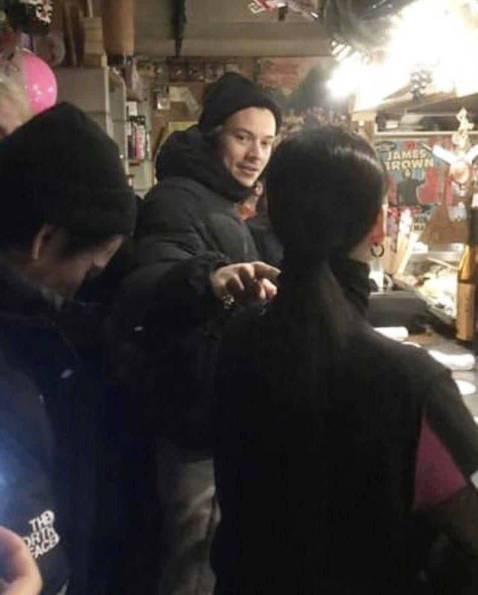 Thread By Tbslonelyheartt Harry Styles In Japan 𝐚 𝐭𝐡𝐫𝐞𝐚𝐝