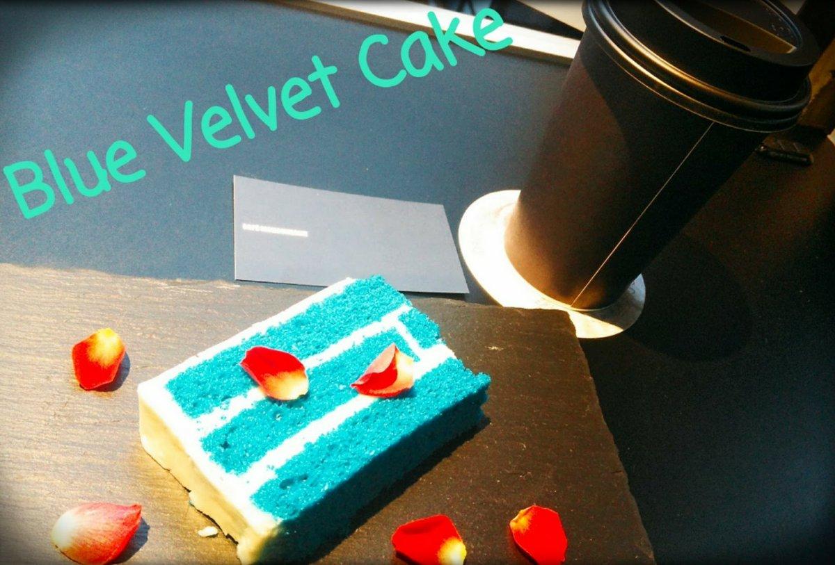 """@cafemonochrome  #MonochromeDay BLUEVELVET CAKE  美味しい上に""""映える""""Cake でしたね〜!!  薔薇の花びらは途中から散りだした気がするけど…センス抜群!!  TWIN PEAKSを初めて完走した後、Kyleの他の作品が観たくてDVD借りたのもこの作品!! pic.twitter.com/kc9lfKXL1w"""