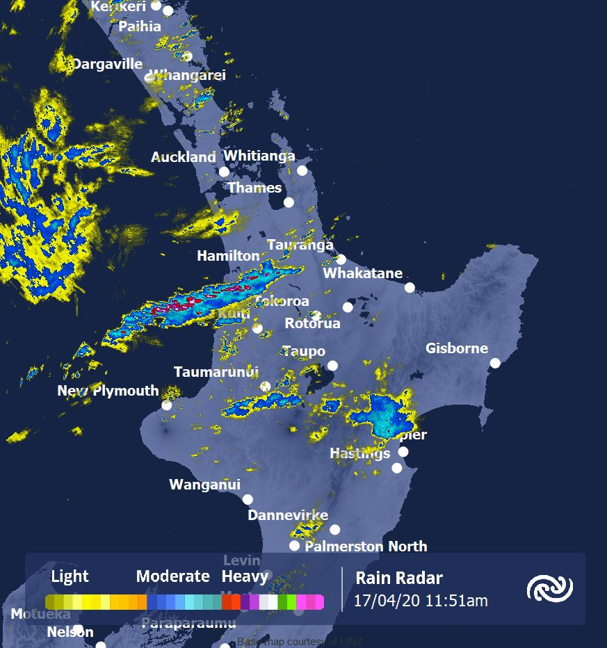 Some heavy showers are passing near Hamilton, can anyone show us what it looks like from the ground? You can track the movement of these showers via our Auckland rain radar here bit.ly/AucklandRadar ^AC https://t.co/5maxD43exn