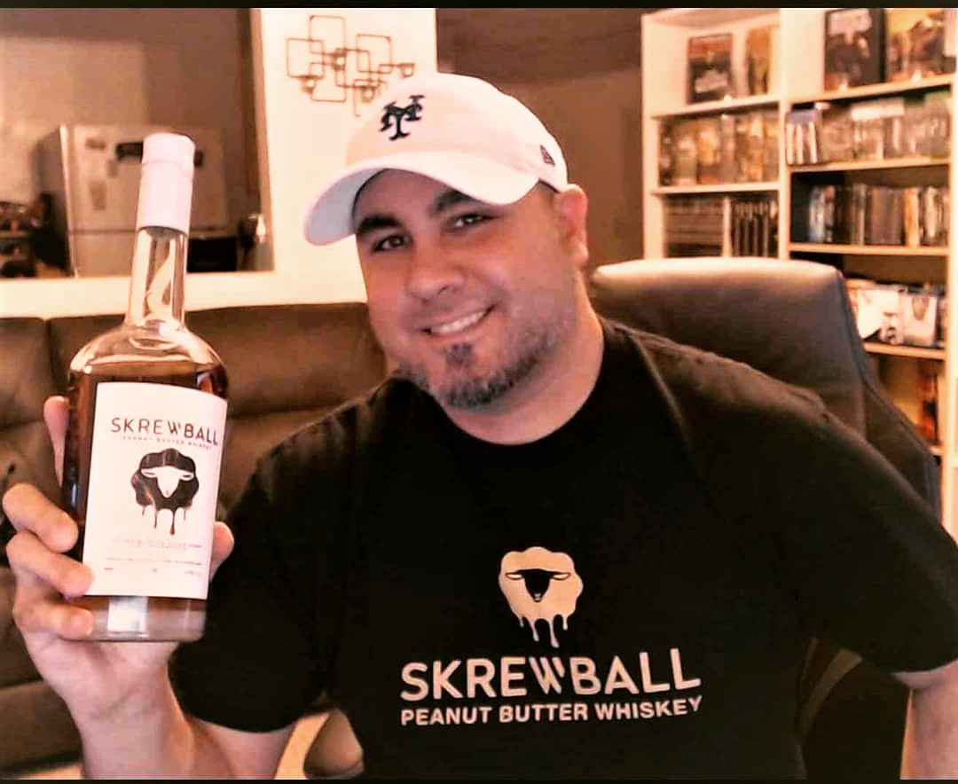 I advise everyone who loves peanut butter and whiskey to try #Screwball peanut butter whiskey! It's AMAZING! #Screwballspirits #screwball https://t.co/a9t2KJYhA1