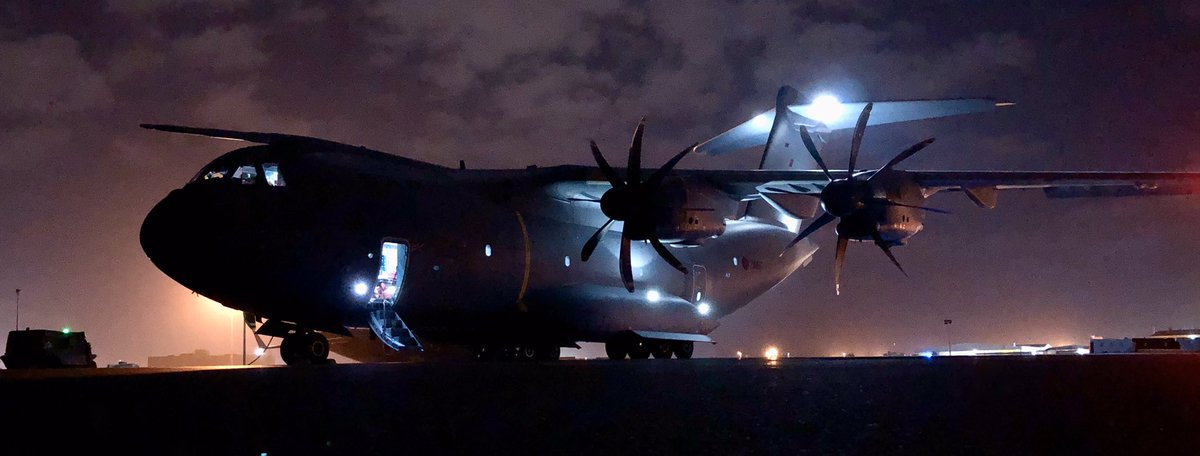 Things might have slowed down a bit, in light of the current global situation, but we still have crews deployed all over the world including the Middle East and Falkland Islands! Here's a great shot of ZM417 with the tail floodlights on! #avgeek #aviationphotography #A400M https://t.co/HHqrFvm5MW