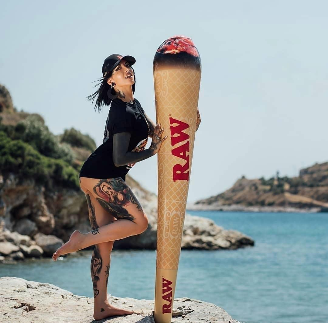 สินค้า Raw สั่งซื้อผ่านเว็บไซต์มีโปรโมชั่น สะสมแต้ม และส่วนลดด้วยนะค่ะ https://t.co/3o6LqGNS0U . #rawthailand #rollingpapers #กระดาษมวนraw #กระดาษมวนราคาถูก #กระดาษมวนราคาส่ง #raw #rawlife #happy420 #rawshop #filtertips #เสื้อraw #หมวกraw #ที่บดยาสูบ #grinder #PreRolledTips https://t.co/8pc9rdAWqm