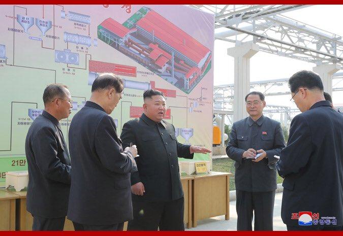 انباء متضاربه عن وفاة زعيم كوريا الشماليه  EW-9h-YU0AA7Zrf?format=jpg&name=small