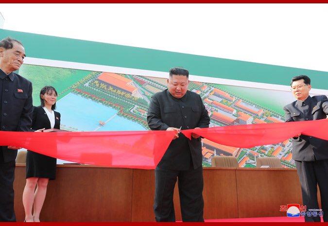 انباء متضاربه عن وفاة زعيم كوريا الشماليه  EW-9h-YUcAE-AGt?format=jpg&name=small