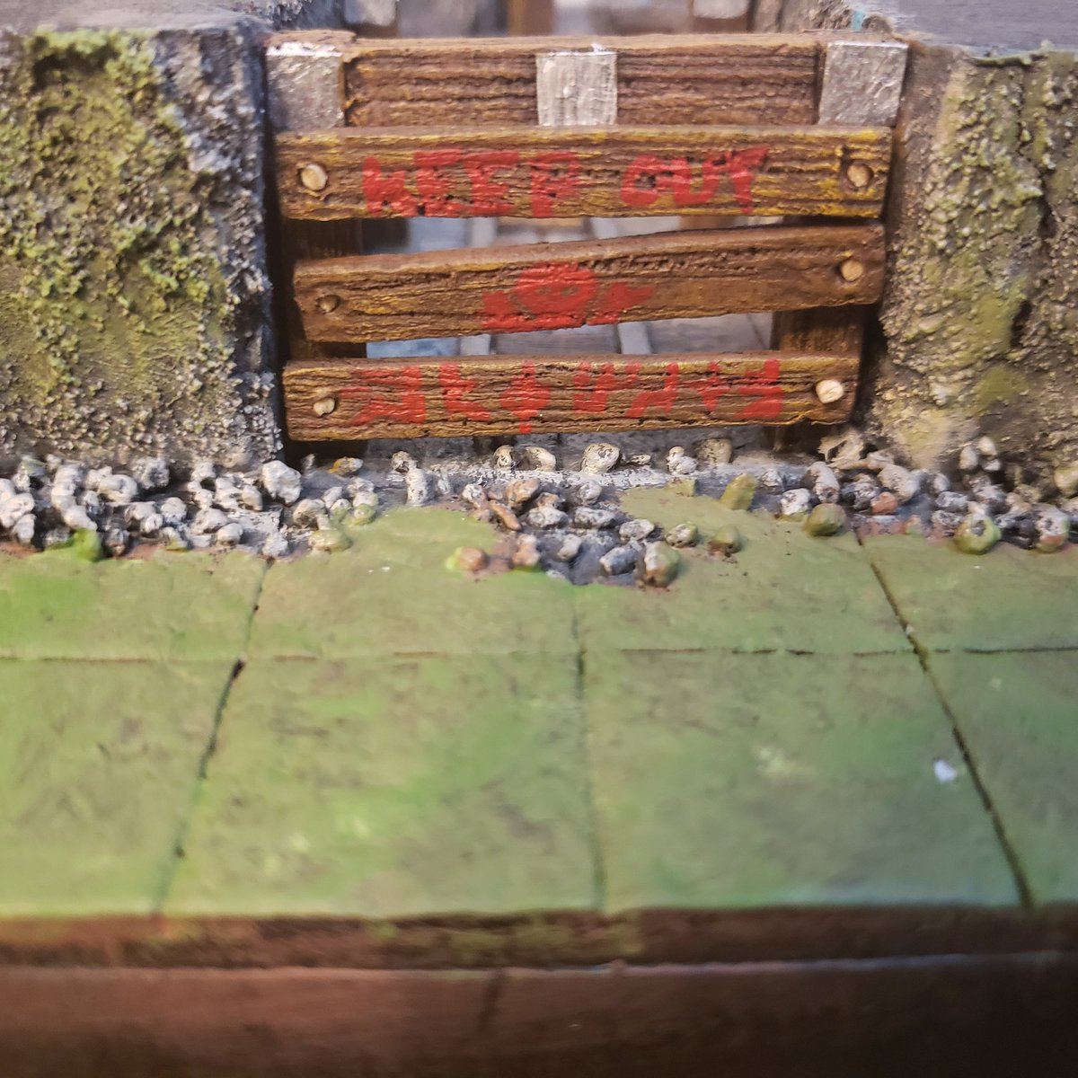 Just finished the Roaring Mines! I can give you a peek. If you want to see more, join us Wednesday at 7pm MST on Twitch! https://t.co/gjyvwcTume  #dungeonsanddragons #diceanddudes #davidstilesandterrain #handmadeterrain #ttrpg #dnd5e #homebrew #limitlessencounters #joemanganiello https://t.co/yAd1tR2Mp2