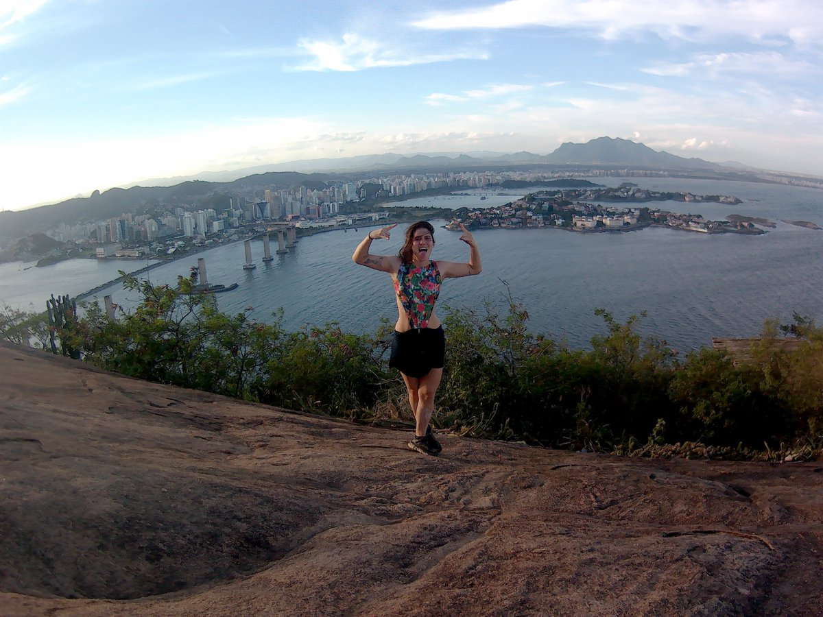 No te caigas, no desistas, vuela alto, NO TE RINDAS. . . . #VilaVelha #MorroDoMoreno #ESpic.twitter.com/ghWNlEyYWG