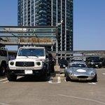 駐車場で隣に駐車している車が大きいと思ったら?その隣に駐車している車に驚愕!