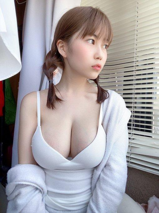 グラビアアイドル伊織いおのTwitter自撮りエロ画像8