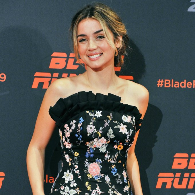 Happy birthday miss ana de armas <3 i love you to the moon and back