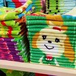 どこから買うか悩む…?!タオル売り場で見かけた陳列方法がナイス!