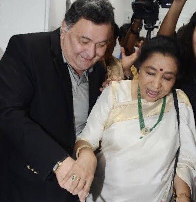 Deepest condolences to the Kapoor family. Sorry I can't be with you in your hour of grief, although Chintu was always always by my side through thick & thin. This picture of our last meeting is how I shall remember him. He remains eternal & special ⁦⁦⁦⁦@chintskap⁩ https://t.co/mMi4yNvBrl