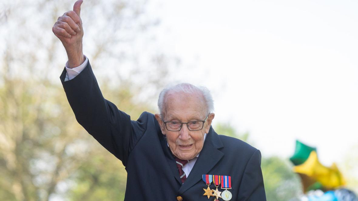 All of us at Searles Leisure Resort would like to wish a Happy 100th birthday to Captain Tom Moore. A shining light in these strange and difficult times, the country salutes you! 👏🏻👏🏻💙 #100today #HappyBirthdayCaptainTom @BHHPA @TourismsVoice @tourismsociety https://t.co/bCorHq0e6I