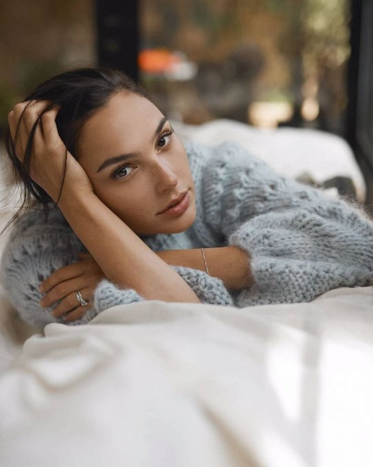 Happy Birthday to the wonder of a woman Gal Gadot <3