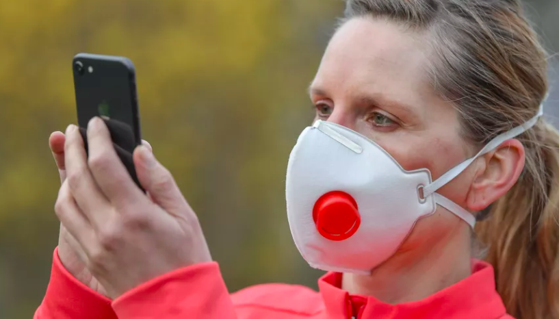 Apple makes it (slightly) less annoying to unlock your iPhone with a mask