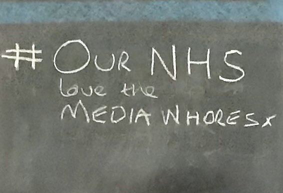 More solidarity with all the key workers! 👏✊ 🏴‍☠️ 🌈 👏  #NHSthebrave 🏴󠁧󠁢󠁳󠁣󠁴󠁿 #NHSLouisaJordan 🏴󠁧󠁢󠁳󠁣󠁴󠁿 #clapforNHS #clapforourcarers #coronavirus #lockdown  #StayHome #StayHomeBands #saveourvenues #TimsTwitterListeningParty https://t.co/E6TP96Ps17