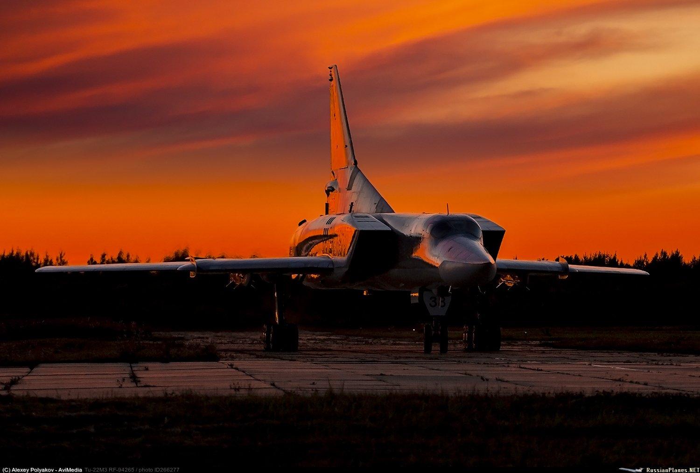 Tu-22M3: News - Page 26 EW3l_mYWsAM5ihH?format=jpg&name=large