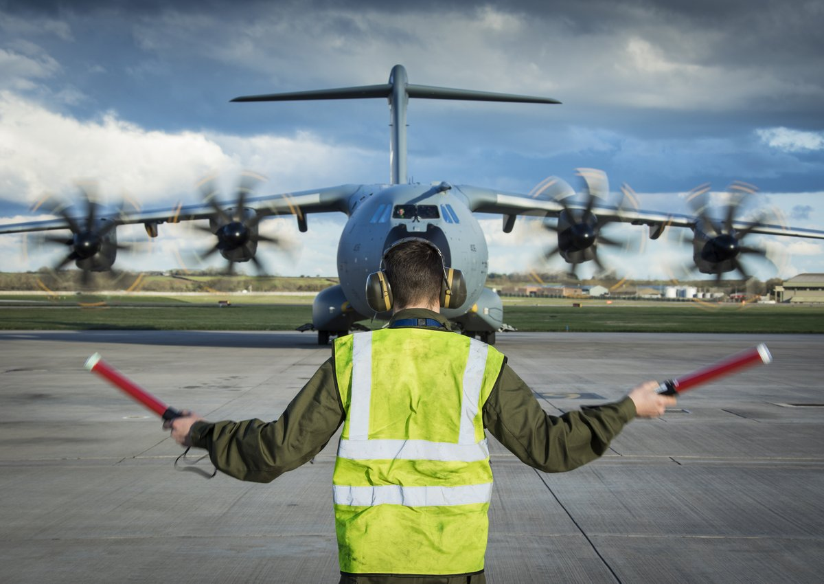 This morning, our A400M Atlas aircraft will be operating in the vicinity of Leeds and Prestwick, whilst engaged in essential training.  These are necessary, routine, flights and not connected with RAF support to the UK's fight against Coronavirus.  #A400M #Atlas https://t.co/xdhKnLLpH3