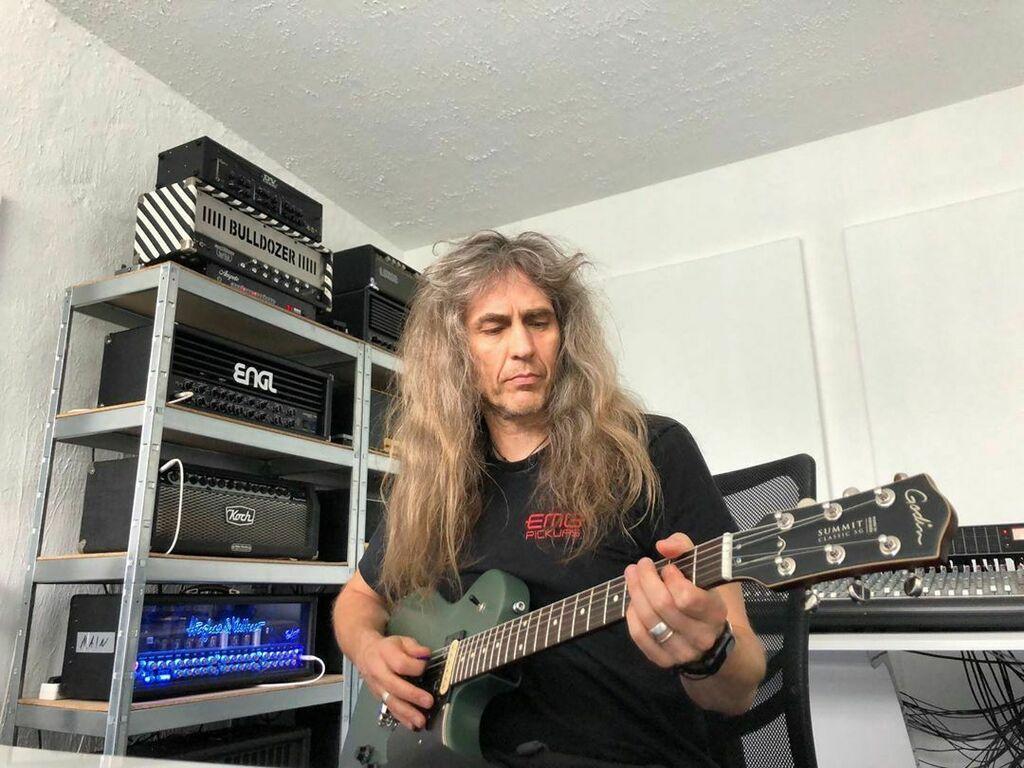 #godinguitars sent over a #godinsummitclassicsg to check it out. Great sounding guitar, but the finish … #axelritt #ironfinger #the_real_ironfinger @hughesandkettner @kochamps @engl_amplification @ampete_engineering @music_store_professional @soundp… https://www.instagram.com/p/B_pEAJtIstA/?igshid=1nqdd01xz530c…pic.twitter.com/oylyijg0WS