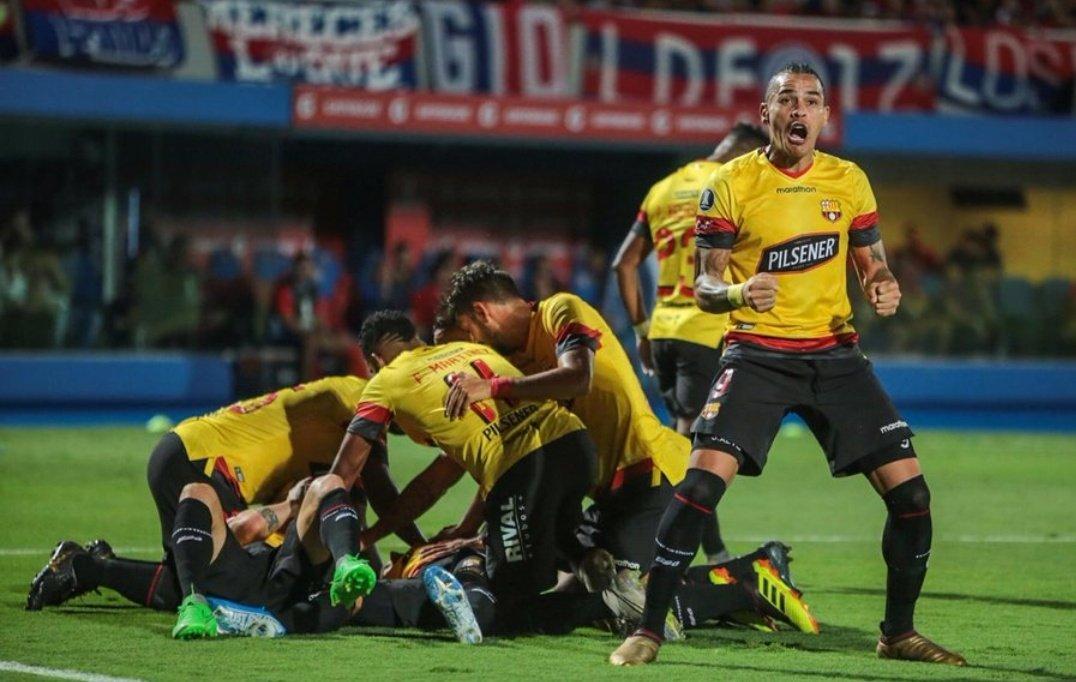Feliz 95 aniversario @BarcelonaSC. Un día como hoy en el barrio del Astillero de Guayaquil, nació el equipo más popular del Ecuador. https://t.co/uoa19qQM40