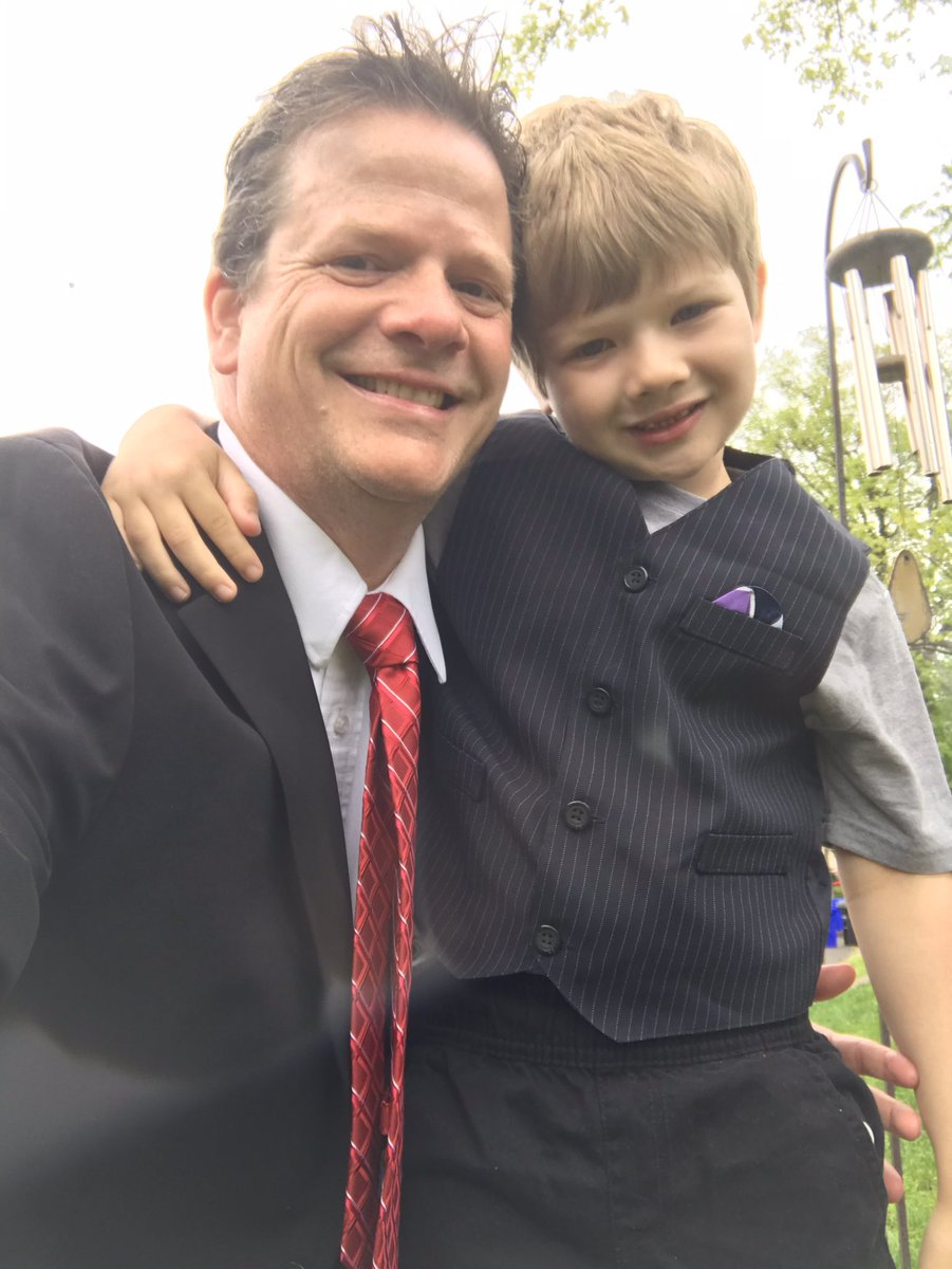 RT <a target='_blank' href='http://twitter.com/acctvaps'>@acctvaps</a>: Dress for success with my son. <a target='_blank' href='http://twitter.com/APSCareerCenter'>@APSCareerCenter</a> <a target='_blank' href='http://search.twitter.com/search?q=ACCSPIRITATHOME'><a target='_blank' href='https://twitter.com/hashtag/ACCSPIRITATHOME?src=hash'>#ACCSPIRITATHOME</a></a> <a target='_blank' href='http://search.twitter.com/search?q=SPRINGSPIRIT'><a target='_blank' href='https://twitter.com/hashtag/SPRINGSPIRIT?src=hash'>#SPRINGSPIRIT</a></a> <a target='_blank' href='https://t.co/wUwvAmfoK2'>https://t.co/wUwvAmfoK2</a>