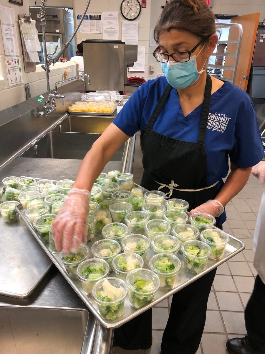 On #SchoolLunchHeroDay and always, the Academy celebrates the hard work and commitment of its members who help children develop healthful habits that last a lifetime!  Read how their efforts have been substantially complicated by the #COVID19 pandemic: https://t.co/MqMYFE01iO https://t.co/16P8bhFvaz