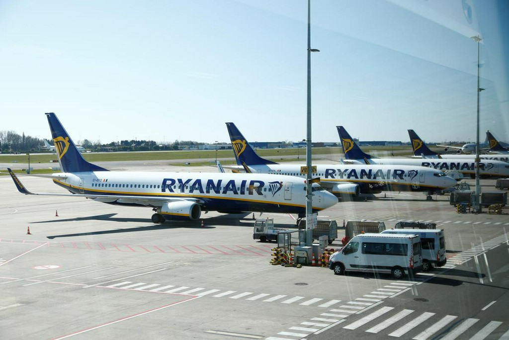 Ryanair boss decries 'state aid doping' as airline sheds 3,000 jobs https://t.co/1FnlaG4cHd https://t.co/3S2isqZw2V