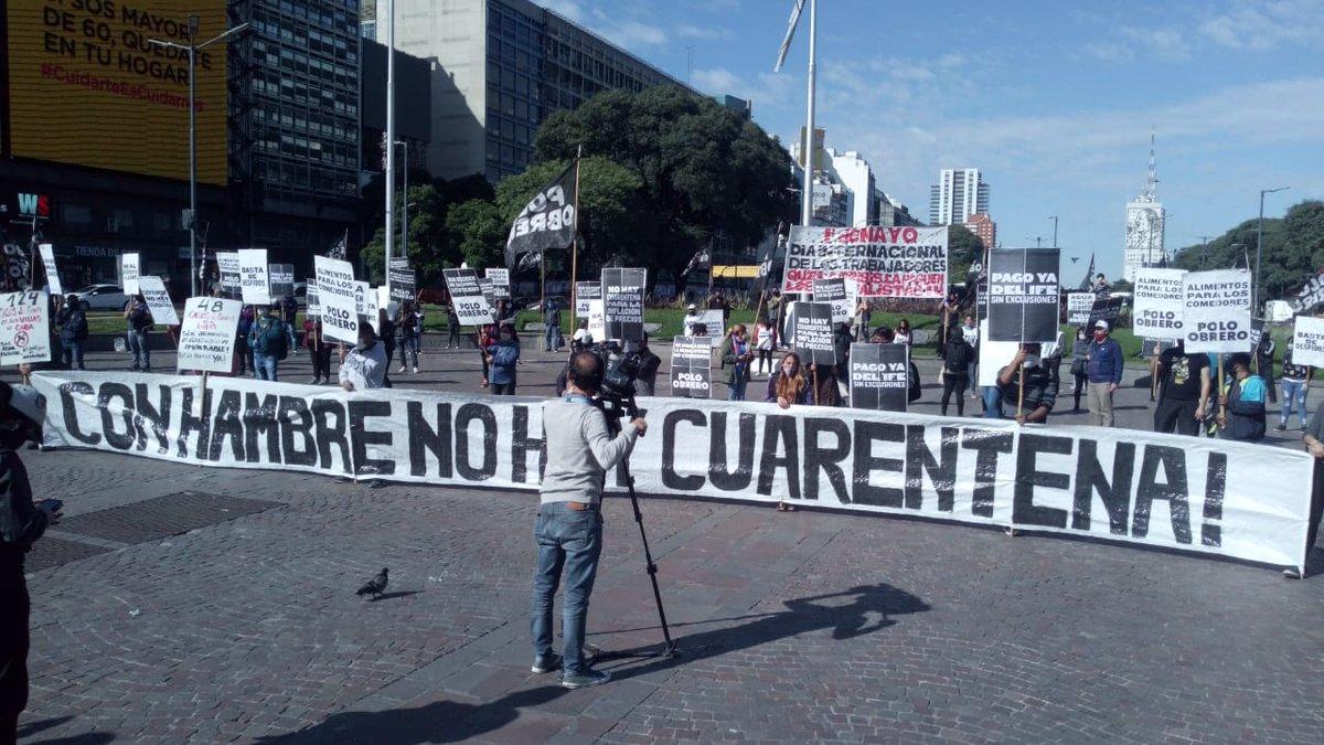 """Gabriel Solano a Twitter: """"Con hambre no hay cuarentena. El Polo Obrero  ahora en el Obelisco.… """""""