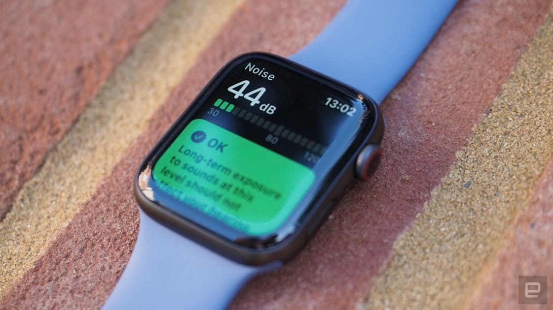 The Apple Watch Series 5 is $100 off at Best Buy